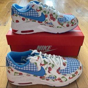 Nike Air Max Excee Grade School Kids sneakers Sz 4